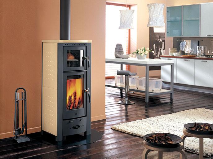 Stufa a legna con forno Piazzetta modello E911